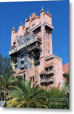 Hollywood Tower Hotel Metal Print by Tom Doud