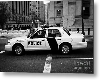 Homeland Security Federal Protective Service White Police Car Outside Courthouse New York City Metal Print