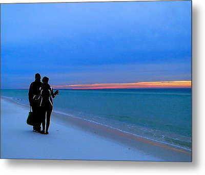 Honeymooners At Dawn On Pensacola Beach Metal Print