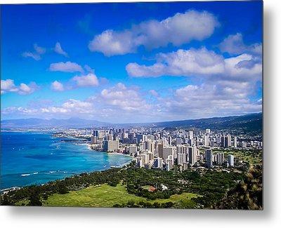 Honolulu Hawaii Metal Print by Richard Brown