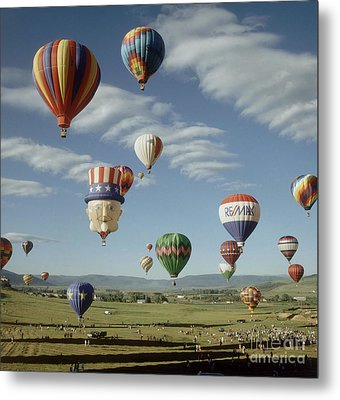 Hot Air Balloon Metal Print by Jim Steinberg