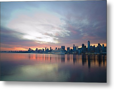 Hudson River Sunrise Nyc Metal Print by Bill Cannon