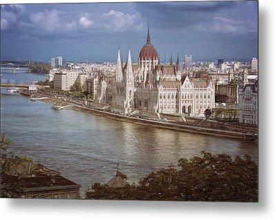 Hungarian Parliament Building Metal Print by Joan Carroll