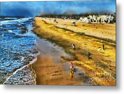 Metal Print featuring the photograph Huntington Beach by Clare VanderVeen