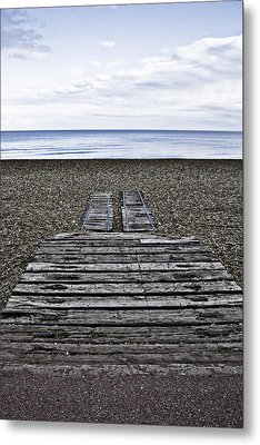 Hythe Beach Kent Metal Print by Lesley Rigg