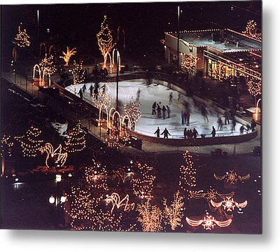 Icer Skaters Metal Print by Tarey Potter