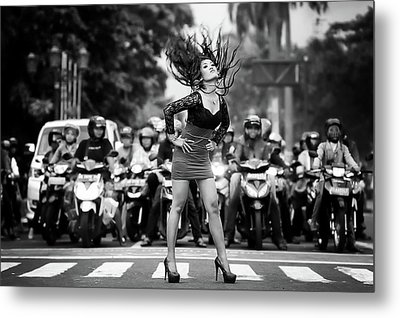 Ignore It, Enjoy Poses On The Streets Metal Print