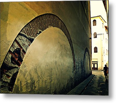 Metal Print featuring the photograph Il Muro  by Micki Findlay