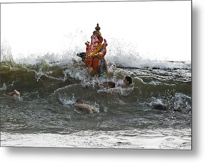 Metal Print featuring the photograph Immersion Of Lord Ganesha by Sonny Marcyan