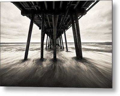 Metal Print featuring the photograph Imperial by Ryan Weddle