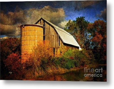 In The Gloaming Metal Print by Lois Bryan