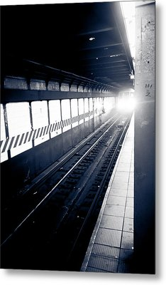 Metal Print featuring the photograph Incoming At The Subway - New York City by Peta Thames