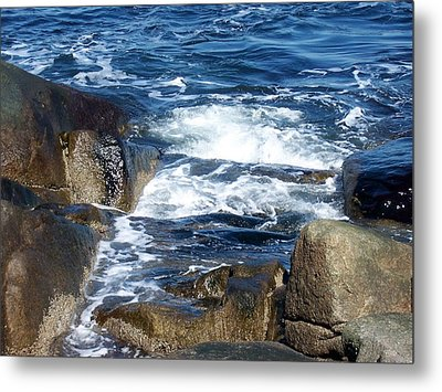 Incoming Tide Metal Print by Catherine Gagne