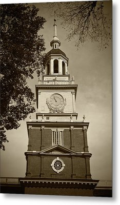 Independence Hall - Bw Metal Print by Lou Ford