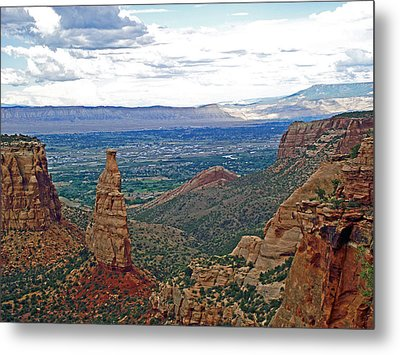 Independence Monument In Colorado National Monument Near Grand Junction-colorado Metal Print by Ruth Hager