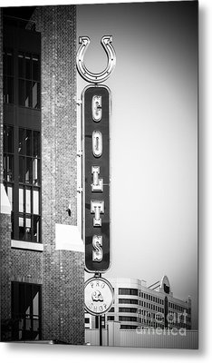 Indianapolis Colts Sign Picture In Black And White Metal Print by Paul Velgos