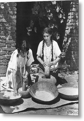 Indians Using Mortar And Pestle Metal Print
