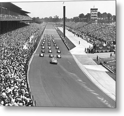 Indy 500 Parade Lap Metal Print by Underwood Archives