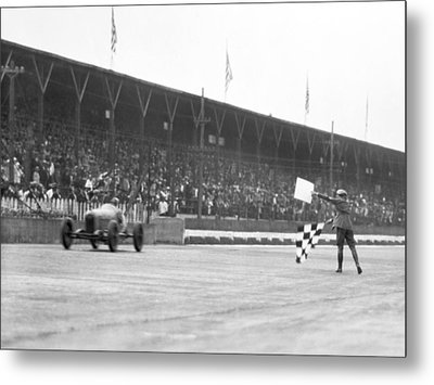 Indy 500 Victory Metal Print by Underwood Archives