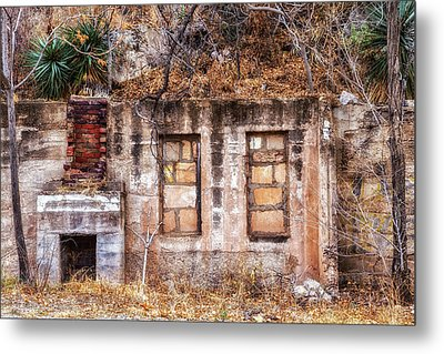 Metal Print featuring the photograph Inside-out Living by Beverly Parks