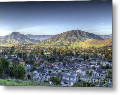 Into The Valley Below Metal Print
