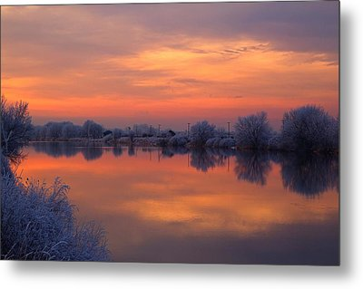 Metal Print featuring the photograph Iridescent Sunset by Lynn Hopwood