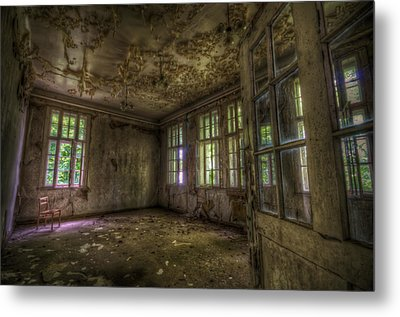 Is That Your Seat Metal Print by Nathan Wright