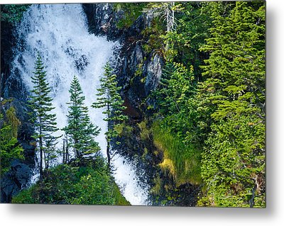 Island In The Cascade Metal Print by Adam Pender