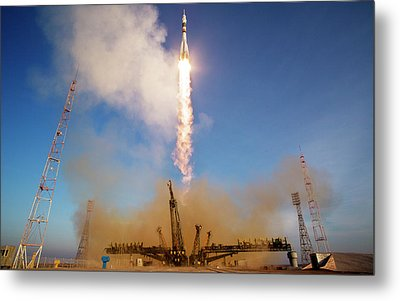 Iss Expedition 46 Launching Metal Print