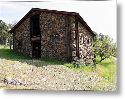 Jack London Stallion Barn 5d22086 Metal Print by Wingsdomain Art and Photography