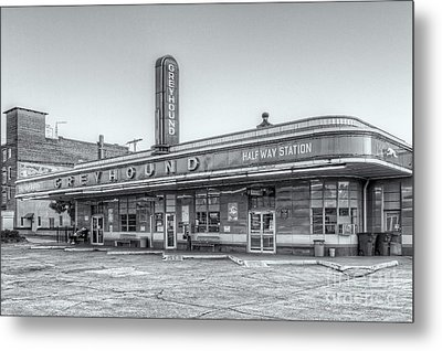 Jackson Greyhound Bus Station Vi Metal Print by Clarence Holmes