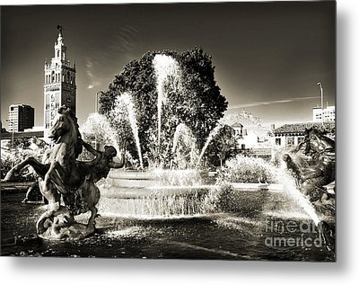 Jc Nichols Memorial Fountain Bw 1 Metal Print by Andee Design