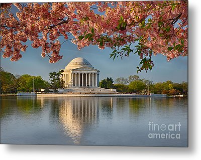 Jefferson Memorial In Spring Metal Print