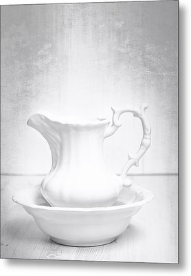 Jug And Bowl Metal Print by Amanda Elwell