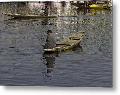 Kashmiri Men Rowing Many Small Wooden Boats In The Waters Of The Dal Lake Metal Print