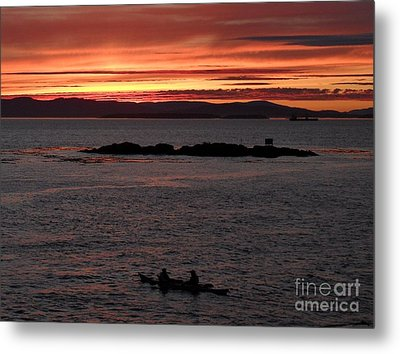 Kayak Sunset Metal Print by Gayle Swigart