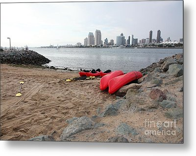 Kayaks On Coronado Island Overlooking The San Diego Skyline 5d24369 Metal Print by Wingsdomain Art and Photography