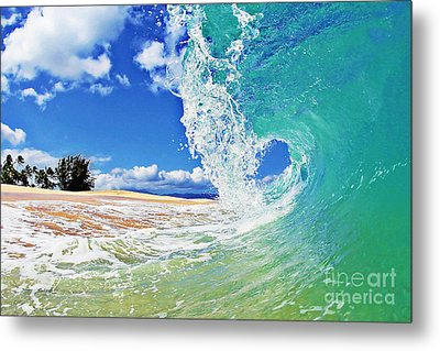 Keiki Beach Wave Metal Print by Paul Topp