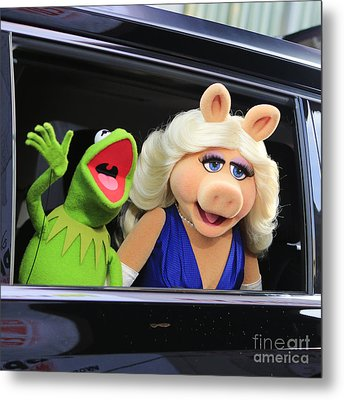 Kermit Takes Miss Piggy To The Movies Metal Print