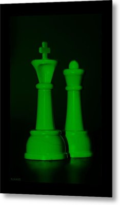 King And Queen In Green Metal Print by Rob Hans