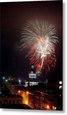 Kingston New Years Eve Fireworks Metal Print by Paul Wash