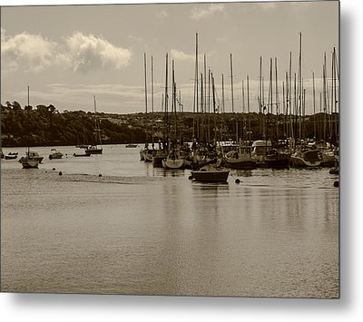 Metal Print featuring the photograph Kinsale Harbor At Dusk by Winifred Butler
