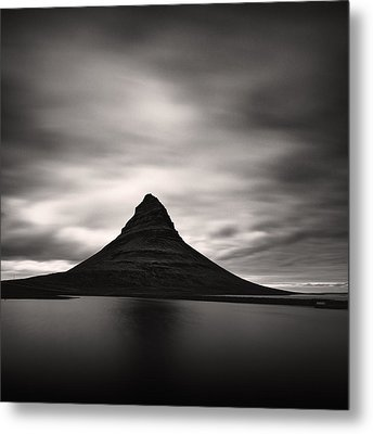 Metal Print featuring the photograph Kirkjufell I by Frodi Brinks