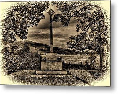 Metal Print featuring the photograph Kirknewton War Memorial Northumberland by Les Bell