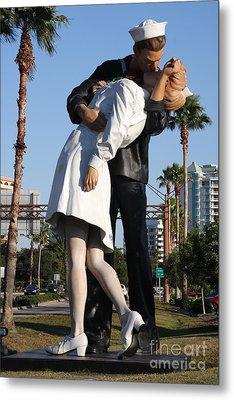 Kissing Sailor - The Kiss - Sarasota Metal Print
