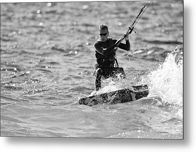 Kite Surfing Black And White Metal Print by Dan Sproul