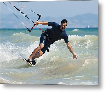 Kite Surfing In Front Of Hotel Dos Metal Print