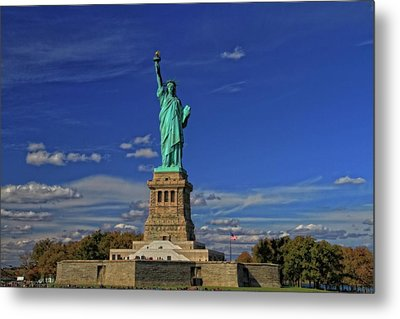 Lady Liberty In New York City Metal Print by Dan Sproul