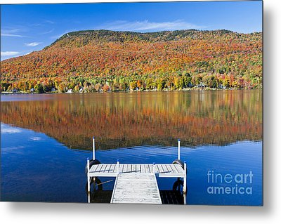 Lake Elmore Autumn Metal Print by Alan L Graham