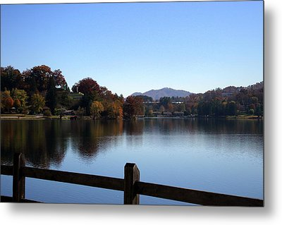 Lake Junaluska In The Mountains Metal Print by Paula Tohline Calhoun